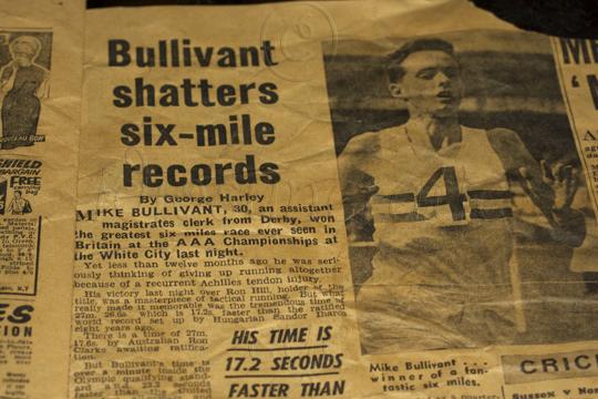 1964 - Bullivant Shatters Record