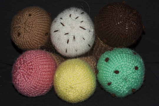 Hand Knitted Ice Cream in Six Different Flavours and Two Types of Cone